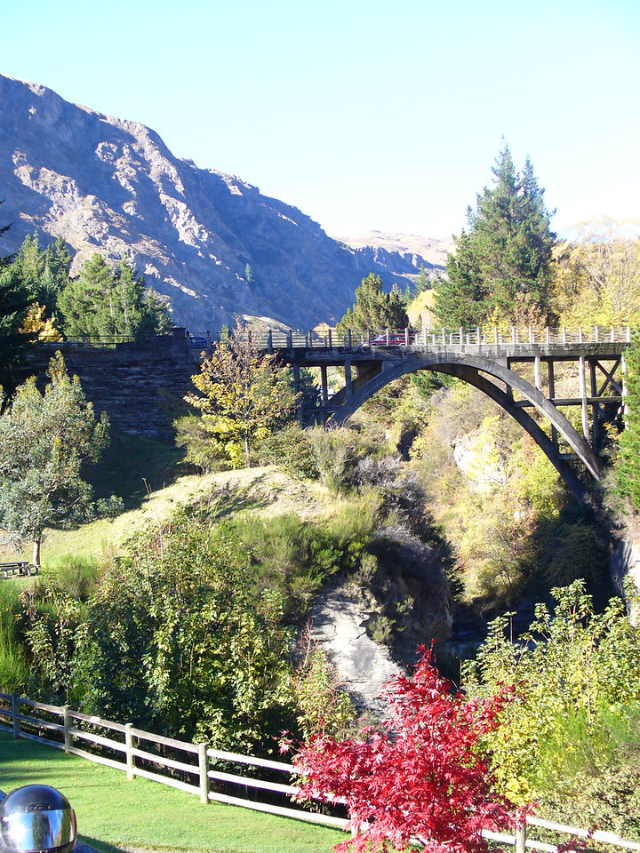 Bride over the Shotover R, Queenstown