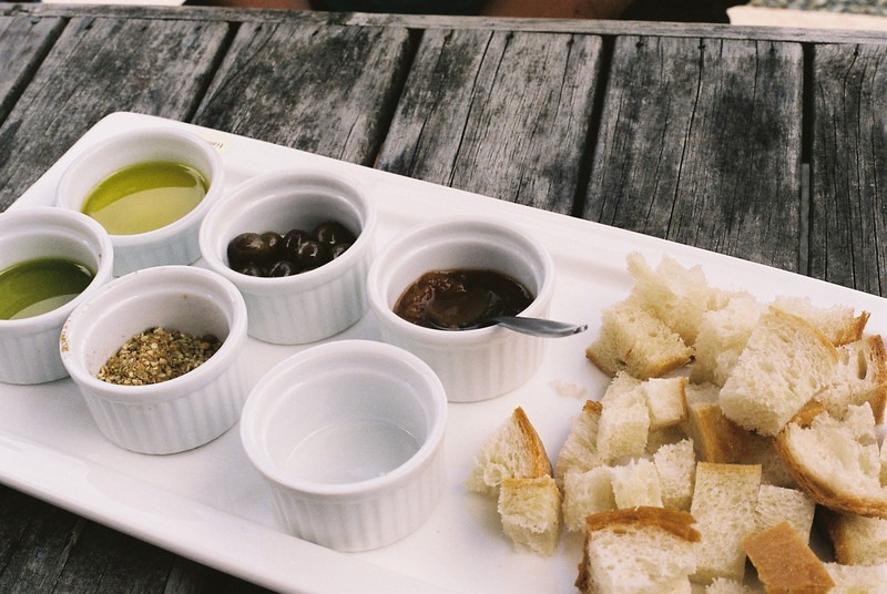 Dukka and olive oil