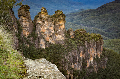 The Three Sisters and the Jamison Valley