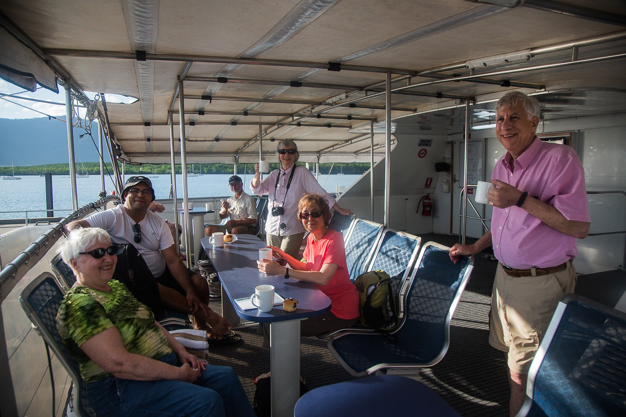 The tour group on the way to Michaelmas Cay