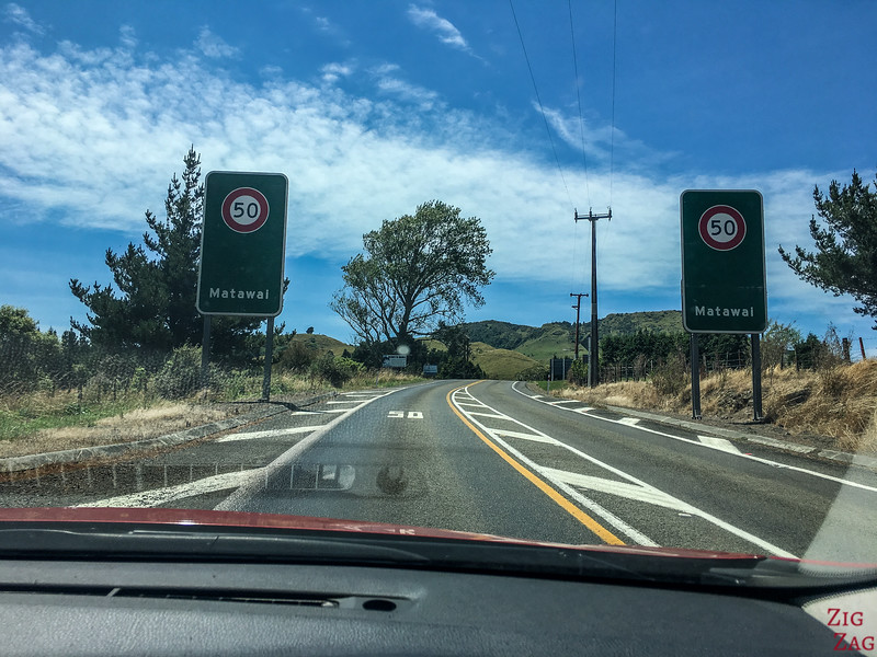 General rules for driving in New Zealand road signs