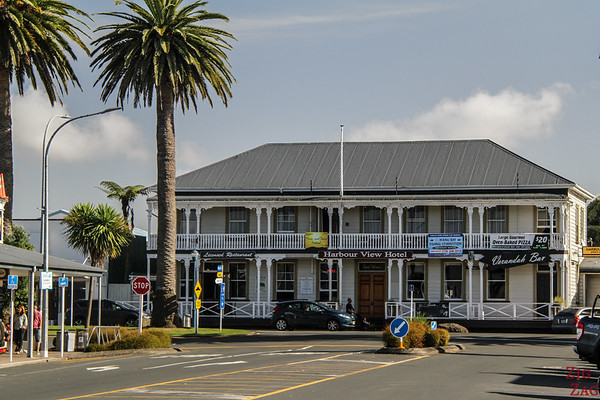 Best cities in New Zealand to stop on your itinerary - Raglan hotel