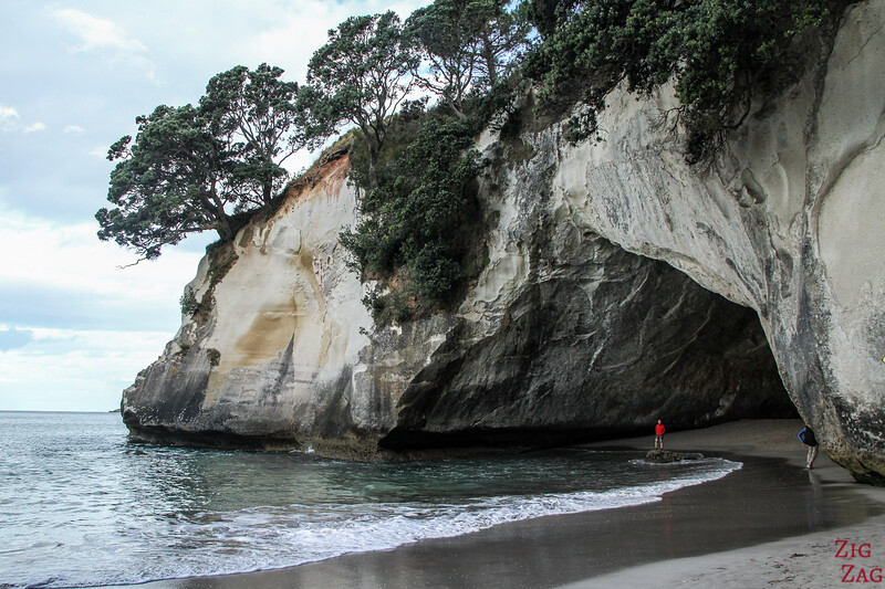 New Zealand Cathedral cove archway 2