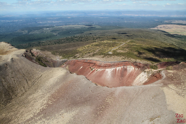 Flying over the volcanic region of Rotorua 1