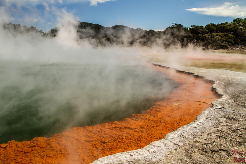 The Champagne Pool - Wai-O-Tapu thermal valley New Zealand 1