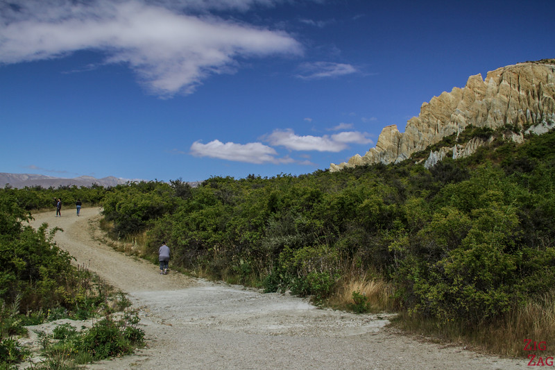 Walking track Omarama clay cliffs New Zealand