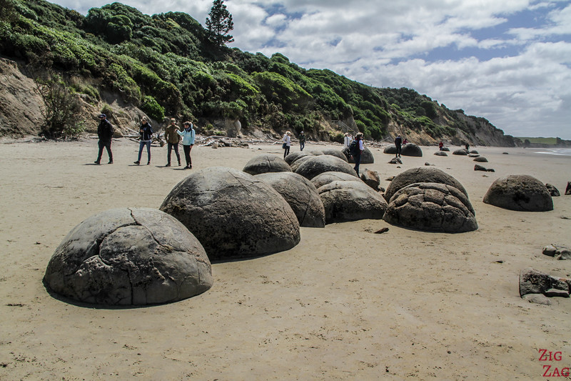 What are the Moeraki Boulders