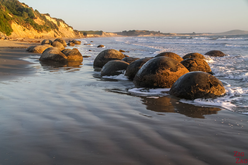 Moeraki boulders New Zealand photo 5