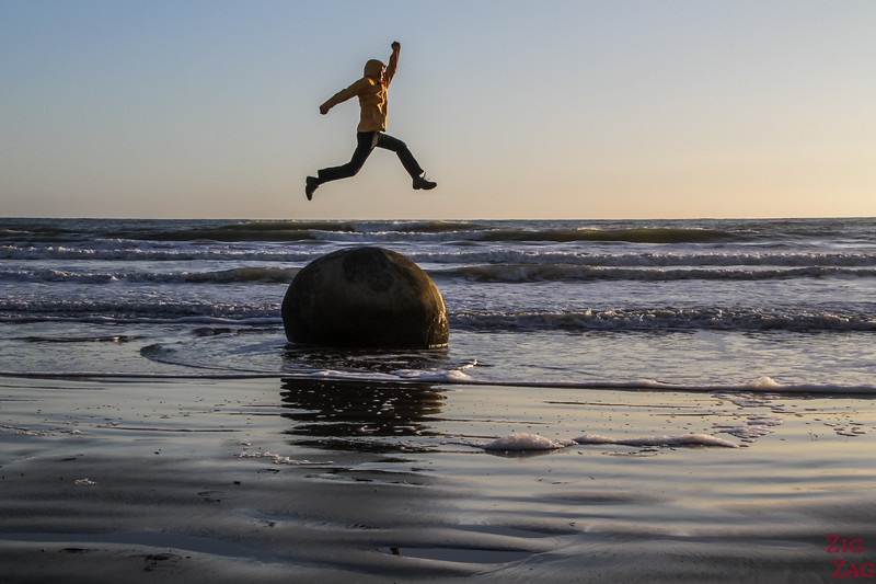 Photographing the Moeraki boulders