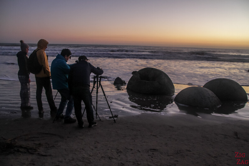 Photographing the Moeraki boulders 1