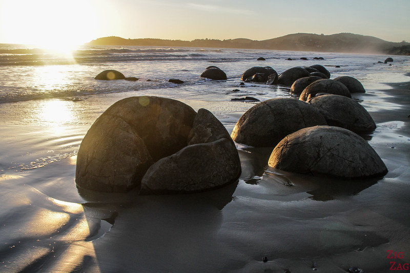 Photographing the Moeraki boulders 2