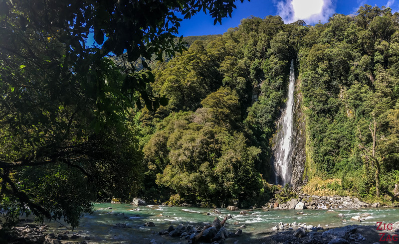NZ waterfalls - South Island - Thunder creek falls