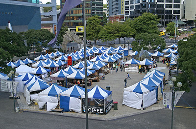 "Art Market in front of the ""Edge"", the performing arts center on Aotea Square, Auckland, New Zealand"