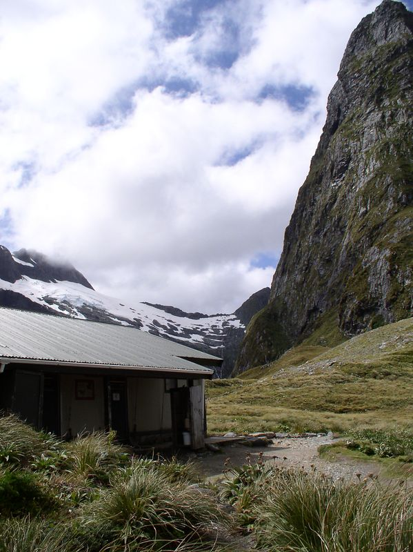 The shelter on the pass