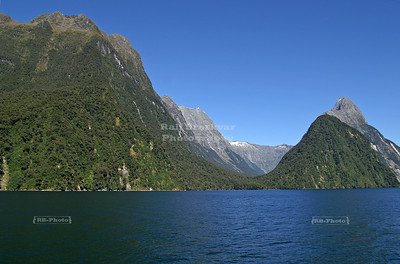 The breathtaking panorama of Milford Sound, Fjordland, South Island, New Zealand
