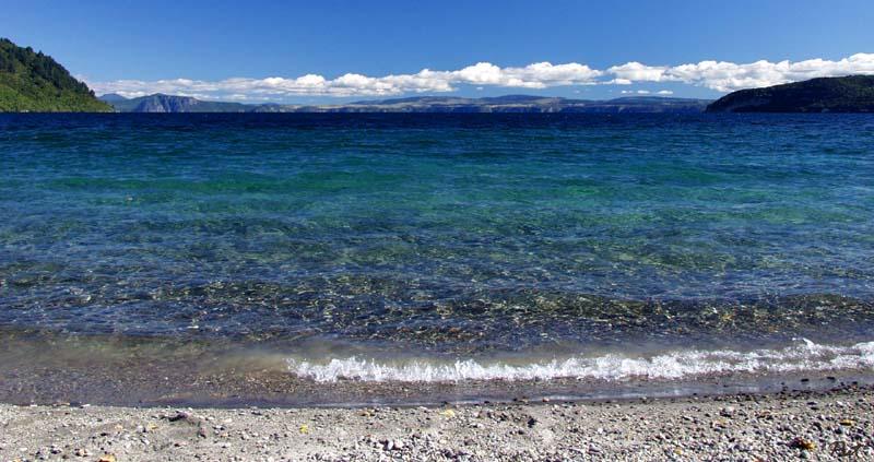 Lake Taupo -- Kinloch