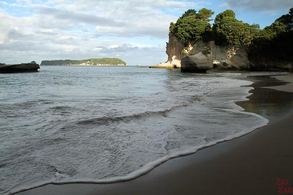 Cathedral cove, Coromandel peninsula, New Zealand, Photo 1
