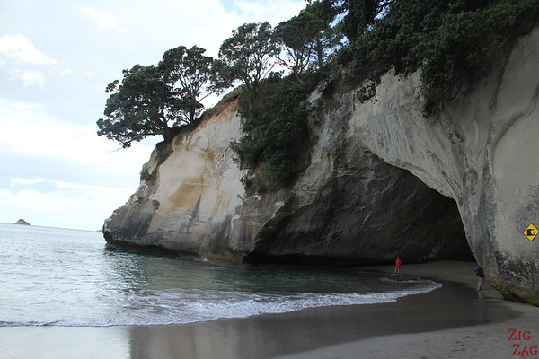 the Arch, Cathedral cove, New Zealand photo 3