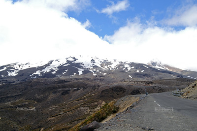 Mount Ruapehu (2,797 m / 9,176 ft) is an active volcano and the highest peak on the North Island of New Zealand