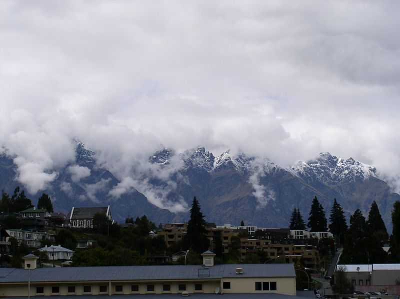 Snow over the mountains top around queenstown