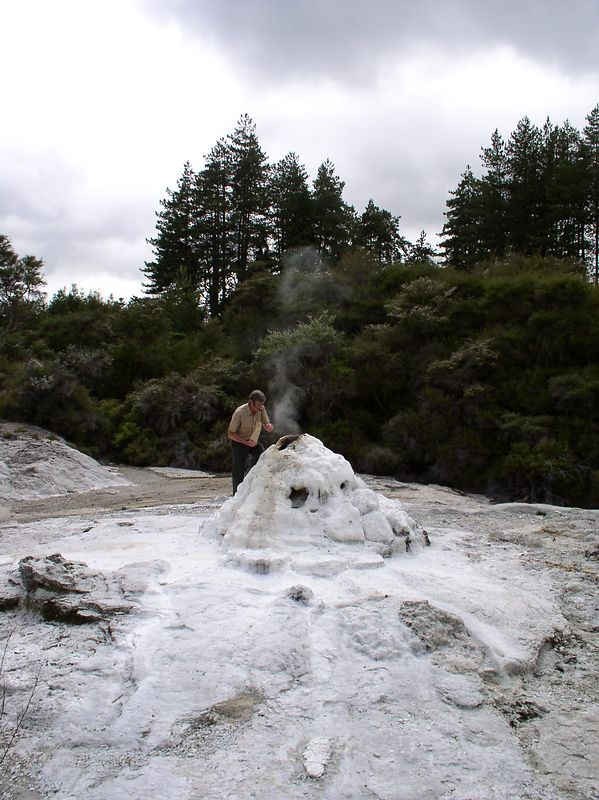 The guide dropping soap into the Lady Knox Geyser