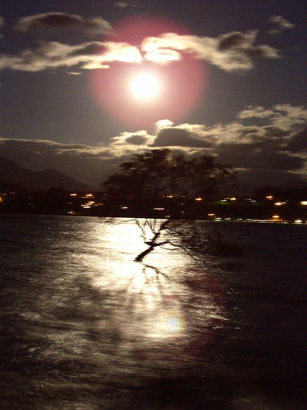 Full moon over lake Wanaka