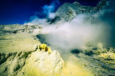 Sulphur vents