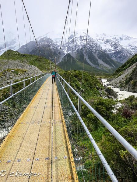 Footbridge<br /> Aoraki Mt.Cook Natl. Park, South Island