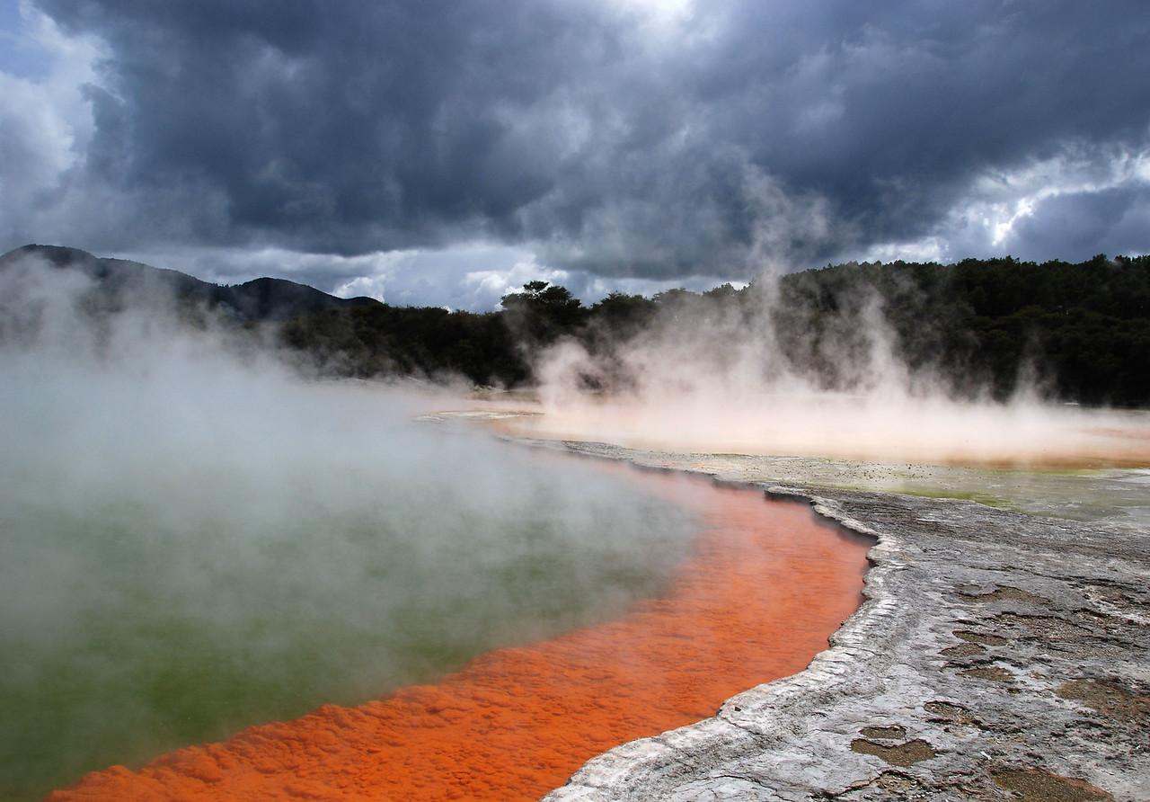 The Champagne Pool,   Wai-O-Tapu,   nr Rotorua