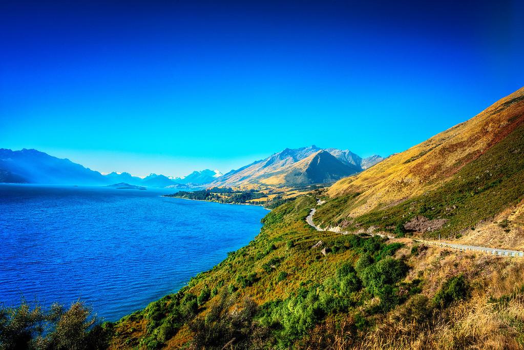 The Road to Glenorchy along lake Wakitipu