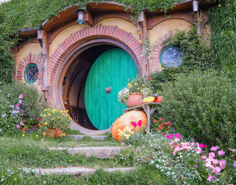 Bag End, Bilbo Baggins - home of the hobbit in the LOTR and Hobbit movies