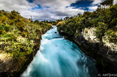 Waikato River as it approaches Huka Falls