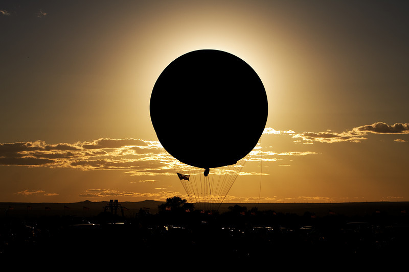 total eclipse of the balloon