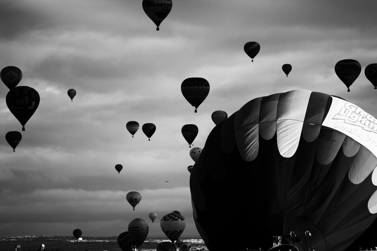 balloons in b&w