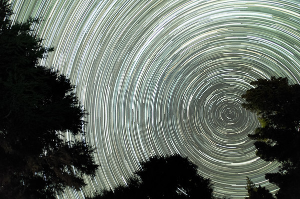 I must have already mentioned the clear skies, didn't I? This picture, a stacked image of 250 pictures of 20s exposure each, shows star trails for approximately 1.5 hours.