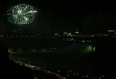 Niagara Falls-jlb-08-01-06-6125