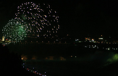 Niagara Falls-jlb-08-01-06-6138