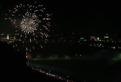Niagara Falls-jlb-08-01-06-6134