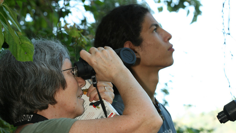 Montibelli - Alejandro and Jackie doing some birdwatching