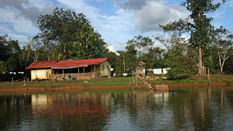 Nicaragua 2011: Rio San Juan - Rural scene along the river