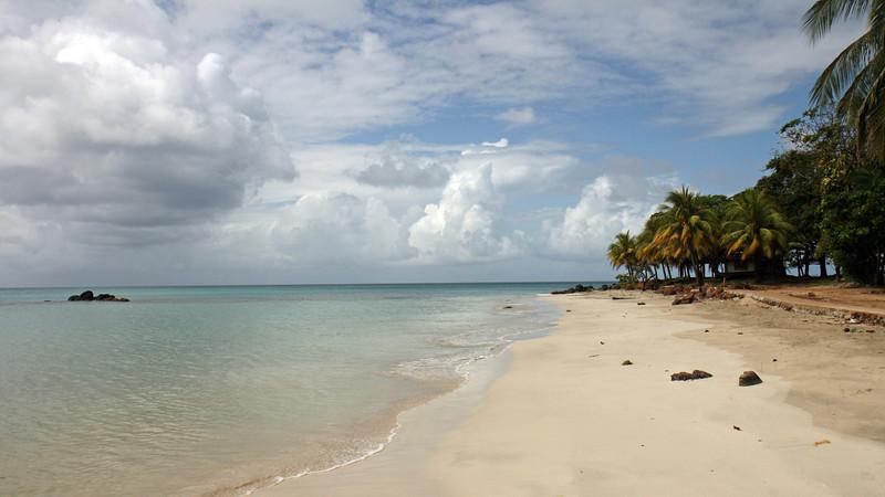 Nicaragua 2011: Big Corn Island - South side beach scene
