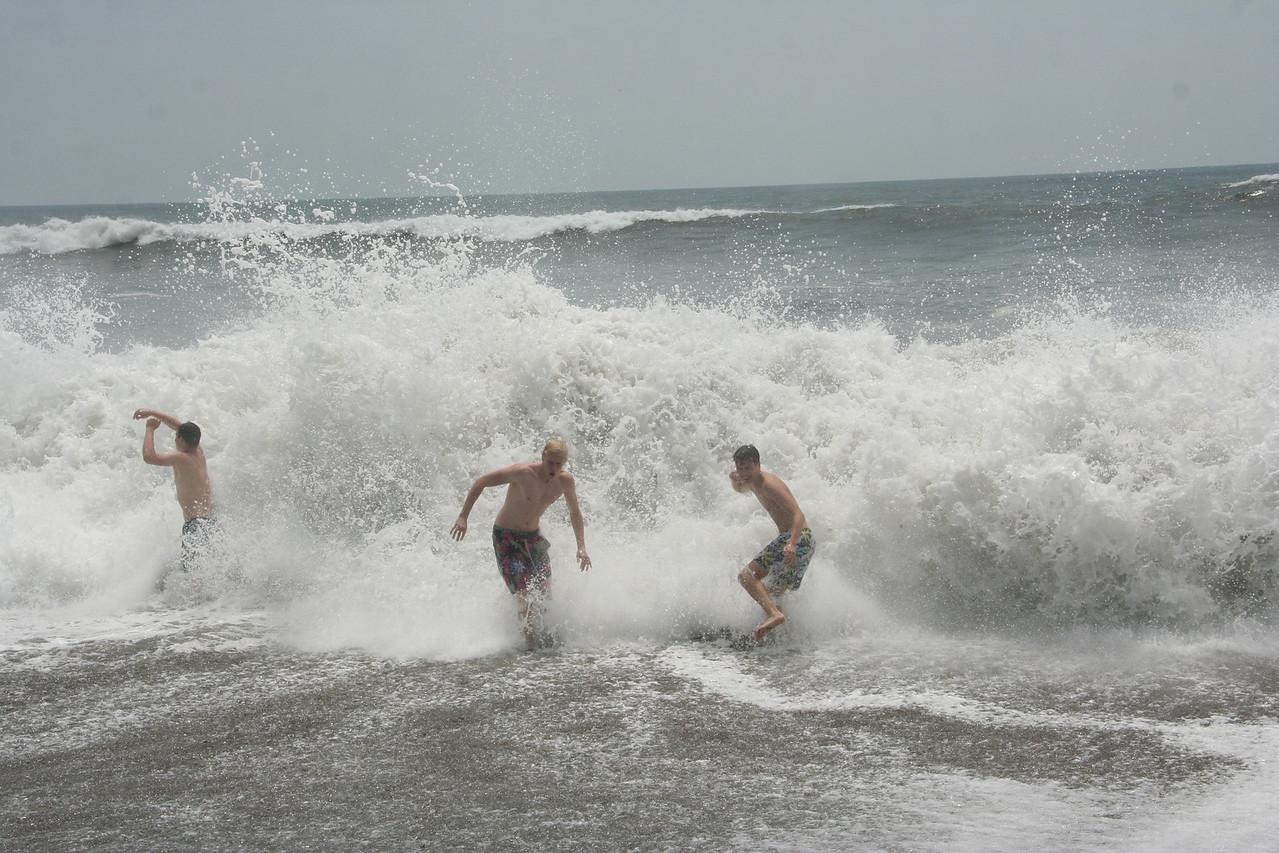Der Pazifik tobt immer noch. Es macht aber trotzdem einen heiden Spaß.