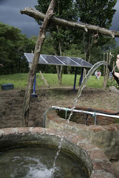 4 Solarpanels mit einer Lorenzpumpe versorgen ab jetzt 50 Kühe.