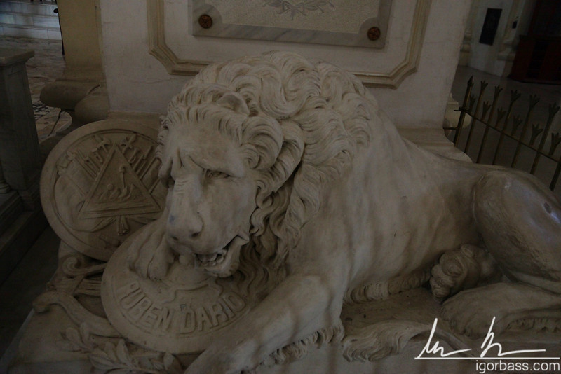 A mournful lion guarding the tomb of Nicaragua's most beloved poet, Ruben Dario, inside the Cathedral of Leon
