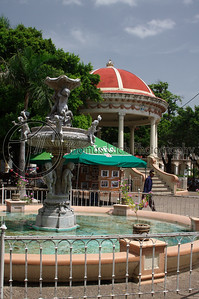 The main square of Granada. This is where everybody, tourist and local alike, comes to spend a relaxing afternoon. Highly recommended. Although if you are going to purchase something, be prepared to negotiate! Granada, Nicaragua.
