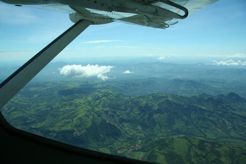 Unsere Aussicht aus dem Flugzeug, Dschungel.
