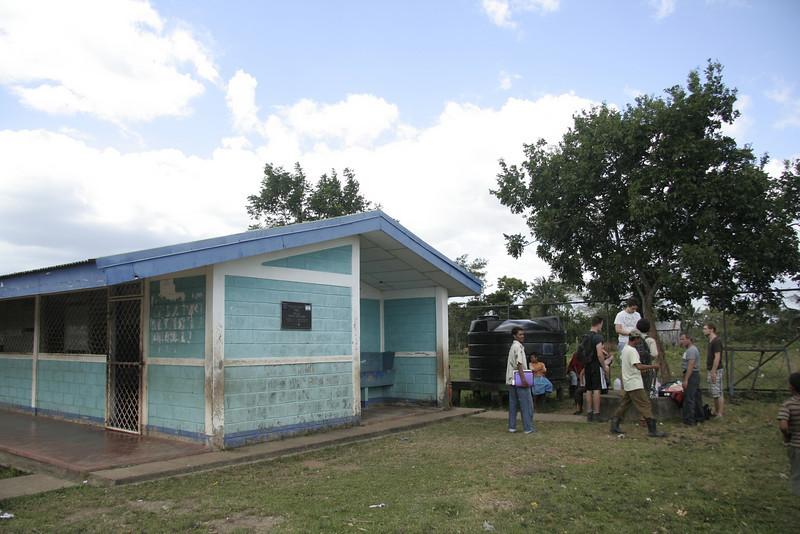 Hier soll noch eine Trinkwasseranlage wie im Dorfzentrum aufgebaut werden.