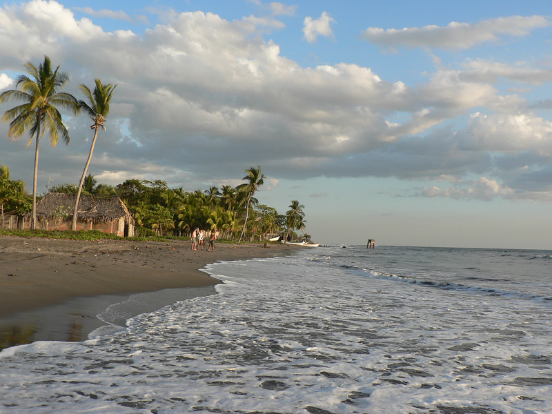 Jiquilillo beach at high tide.
