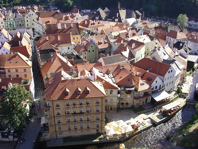 It looks like a model village! Český Krumlov is a perfectly preserved medieval village. Really beautiful.