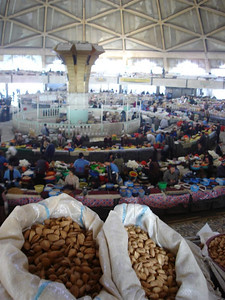Chorsu Bazaar, nuts, dried fruits, spices and the biggest rats you have ever seen